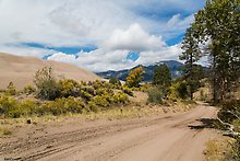 Medano Pass primitive road, Great Sand Dunes National Park.  ( )