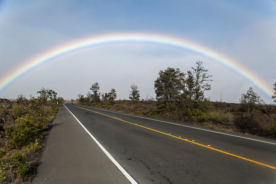 Highway, Hawaii Volcanoes National Park.  ()