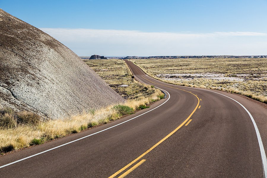 Road near the Flattops. Petrified Forest National Park.  ()