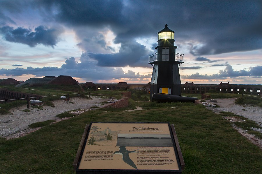 Harbor Light, and fort Jefferson. Dry Tortugas National Park.  ()